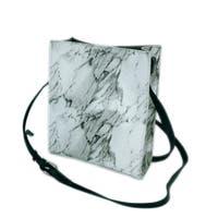 ALTROSE(アルトローズ)のバッグ・鞄/ショルダーバッグ