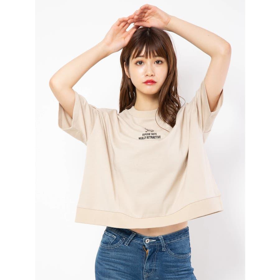 ハイネック刺繍Tシャツ 41