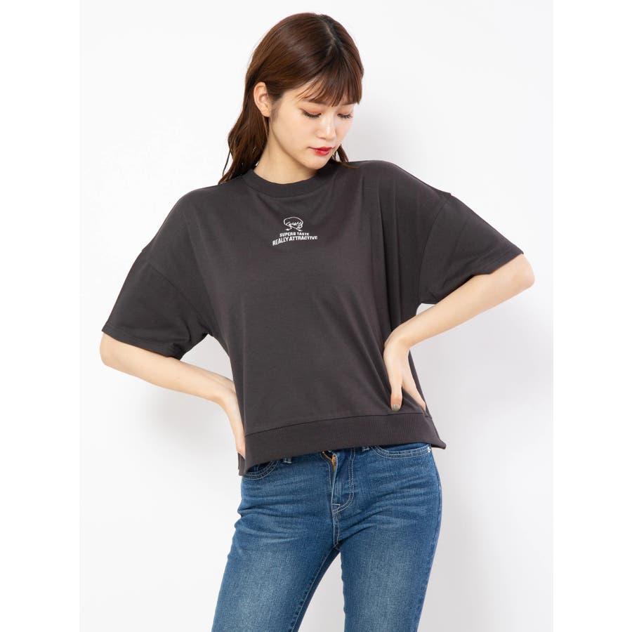 ハイネック刺繍Tシャツ 21
