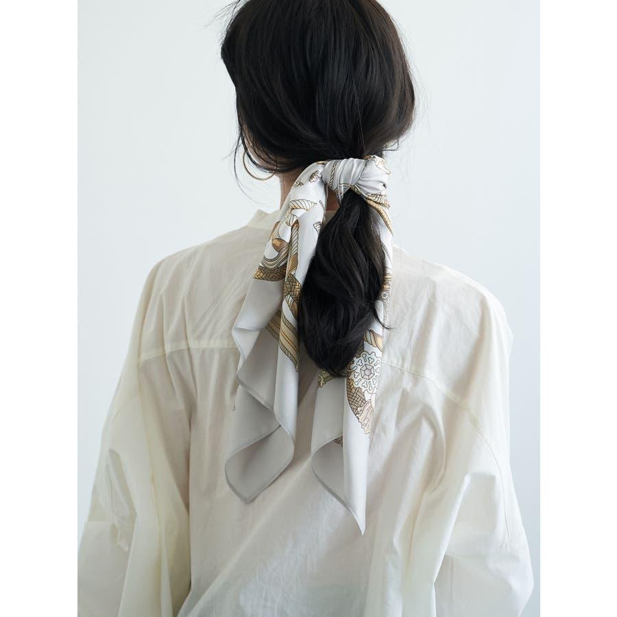 タッセルチェーン柄スカーフ 2