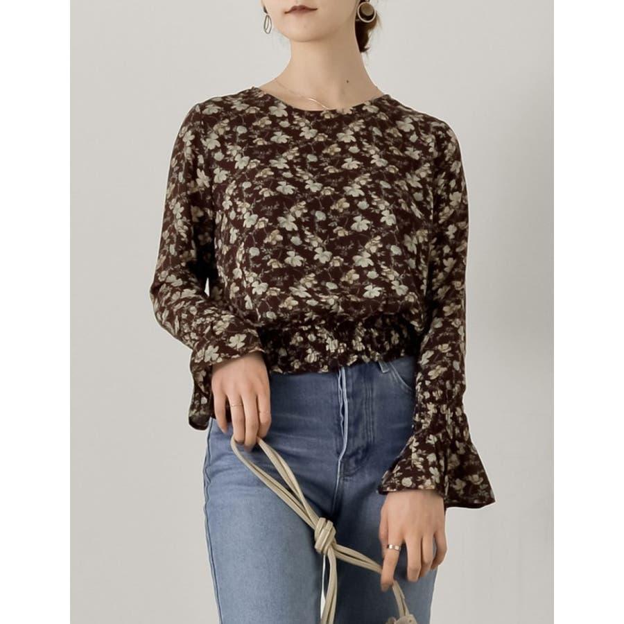 秋にぴったり!ヴィンテージライクな花柄ブラウス 花柄シャーリングフリルブラウス 94