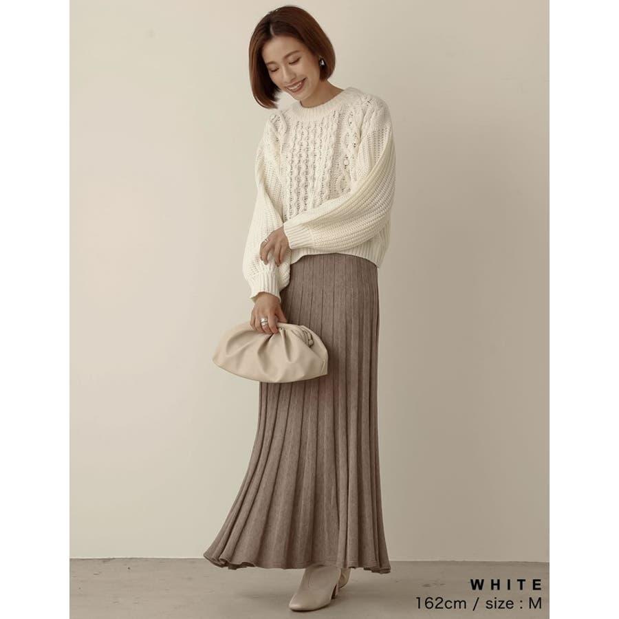 立体感のある編み目が愛らしいニットトップス 5