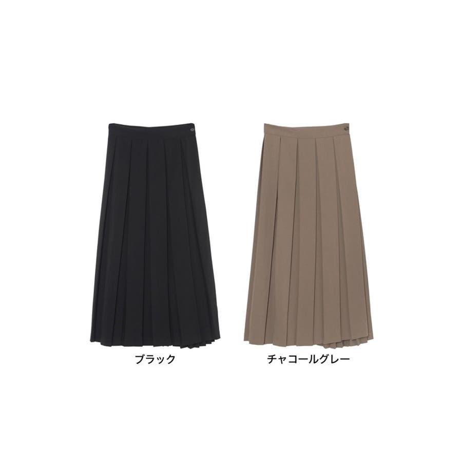 異なるプリーツを組み合わせたレディライクなデザインスカート。 2