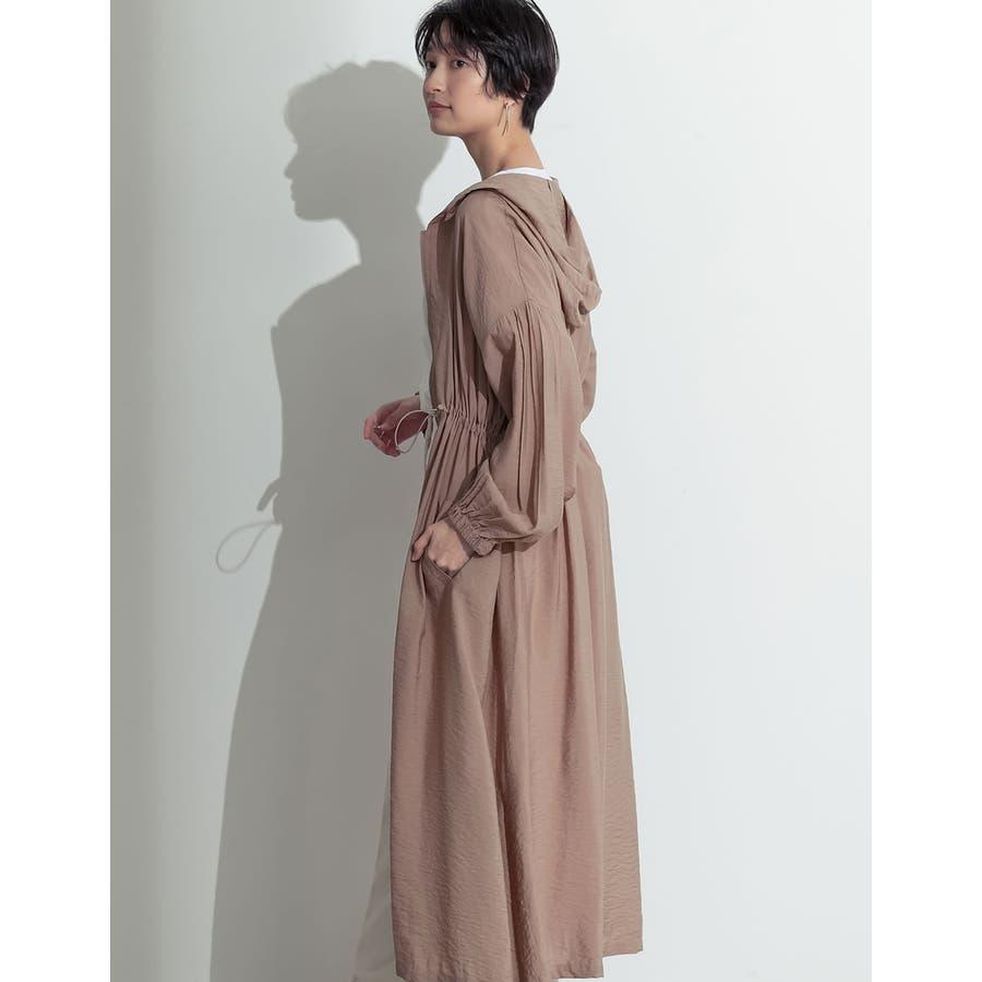 程よいカジュアルに「大人の品」を加えた羽織りアイテム ガーゼファイユパーカーワンピース ワンピース/ワンピース 35
