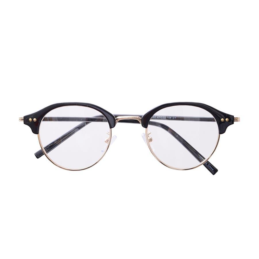 一瞬で印象が変わる!大人のスタイリングの引き締め役に フレームメガネ 21