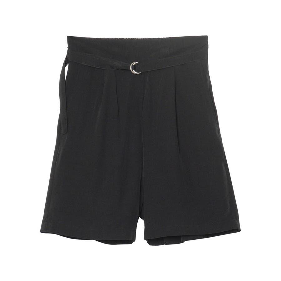 てろんとした夏素材のショートパンツ ベルト付きサテンファイユショートパンツ パンツ 21