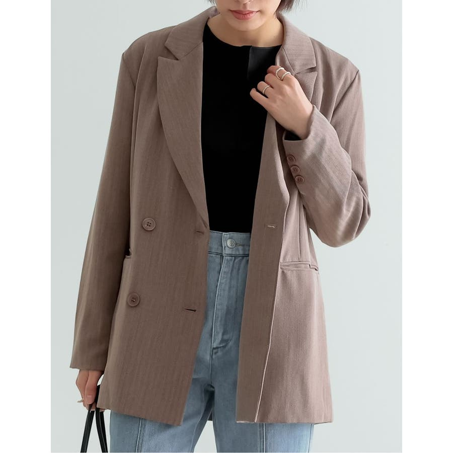 マニッシュスタイルにも繊細で上品なテーラードジャケット 29