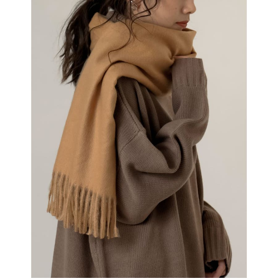 さらっと羽織るだけで、寒さを防ぎつつコーデをクラスアップ 41