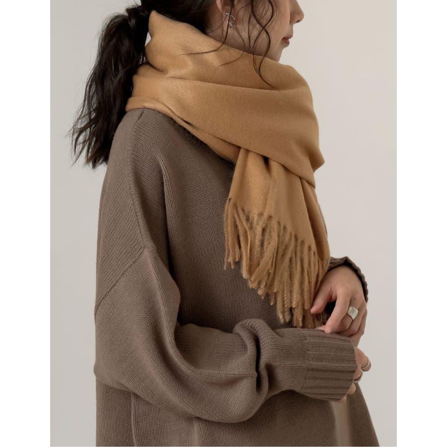さらっと羽織るだけで、寒さを防ぎつつコーデをクラスアップ 5