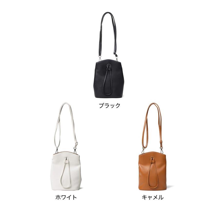 コンパクトサイズでも、必要な物はバッチリ入る優秀バッグ。 ヴィーガンレザーステッチショルダーバッグ バッグ/ショルダーバッグ 2