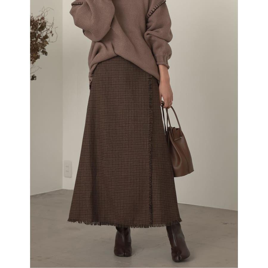 デザイン性がありながらもすっきり着れるストレートスカート 29