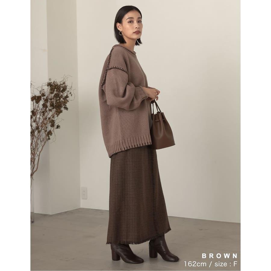 デザイン性がありながらもすっきり着れるストレートスカート 6