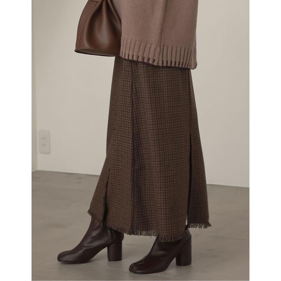 デザイン性がありながらもすっきり着れるストレートスカート 8