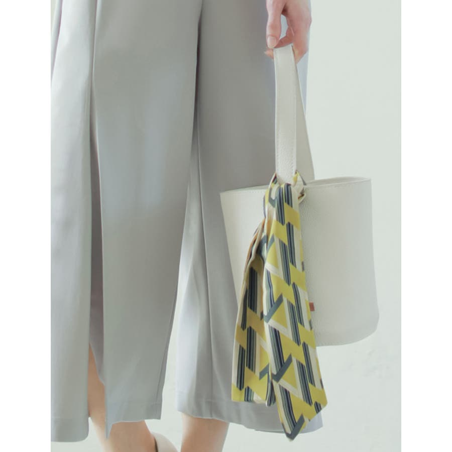 バッグや首もとのアクセントに マルチパターン柄スカーフ グッズ 2