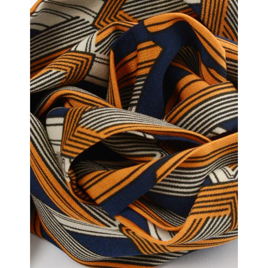 バッグや首もとのアクセントに マルチパターン柄スカーフ グッズ 8