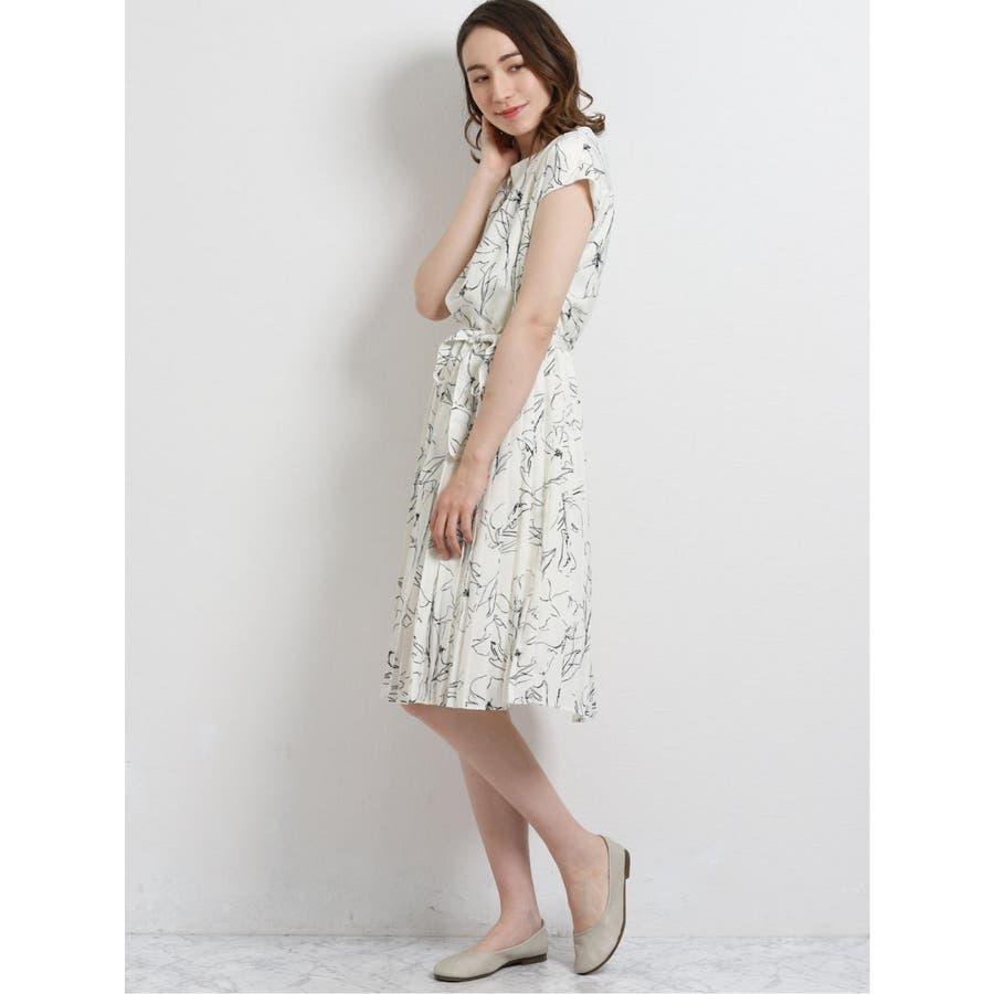サテン布帛 半袖プリーツワンピース 花柄 7