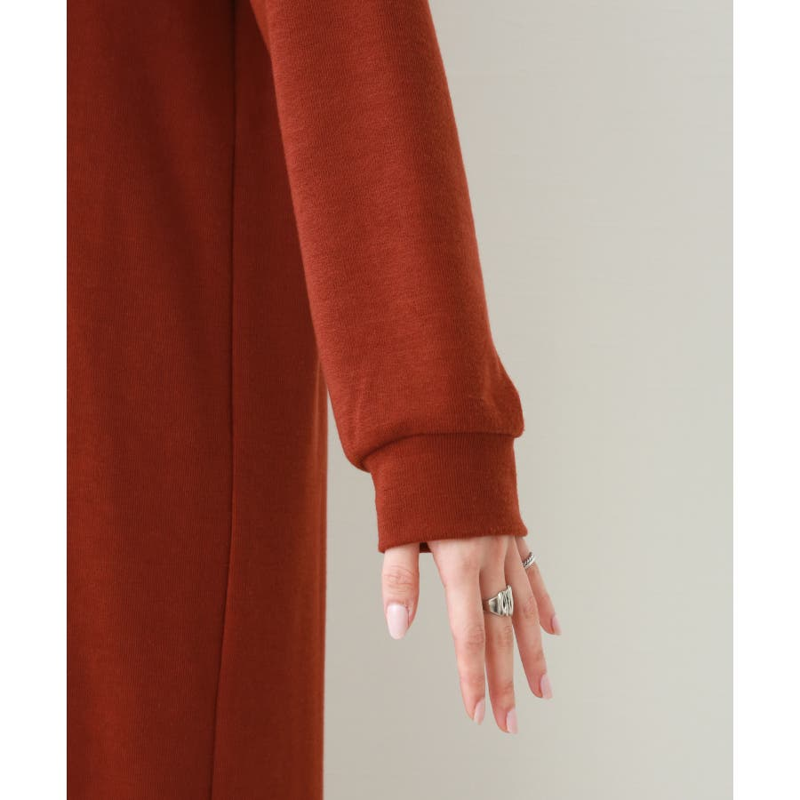 【WEB限定】重ね着を楽しむ コットン混のスリットワンピース 6