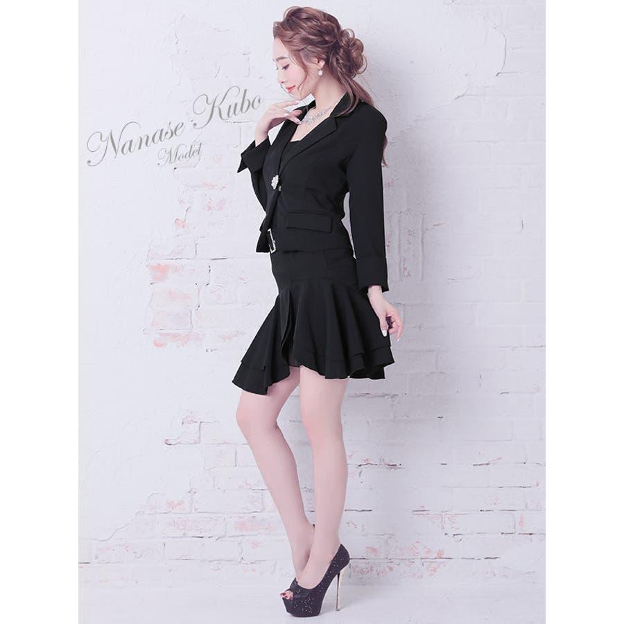 Tika ティカビジューブローチ付きフレアレーススカートセットアップスーツ(ホワイト/ブラック)(Sサイズ/Mサイズ/Lサイズ/XLサイズ/XXLサイズ)黒 白 大きいサイズ スカート ジャケット セクシー上品 美脚 着回しパーティー お呼ばれ キャバ キャバ嬢 4