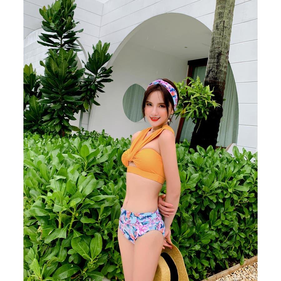 華奢で女性らしいビキニ水着カチューシャ付き(3P) 10