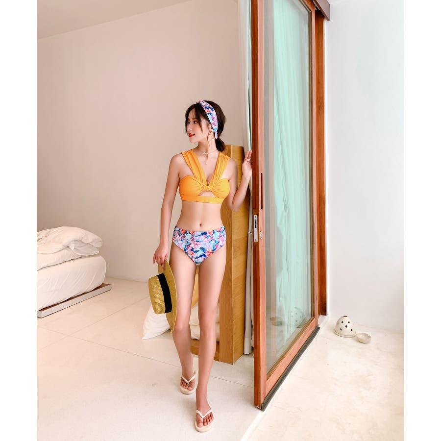 華奢で女性らしいビキニ水着カチューシャ付き(3P) 6