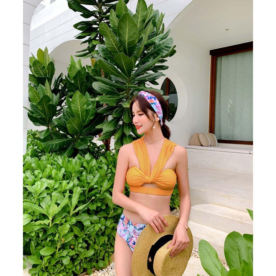 華奢で女性らしいビキニ水着カチューシャ付き(3P) 7