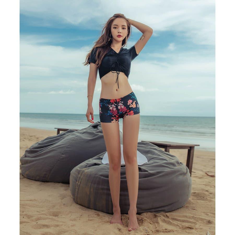 綺麗目なスタイルのレーススカート付きビキニ水着(3P) 10