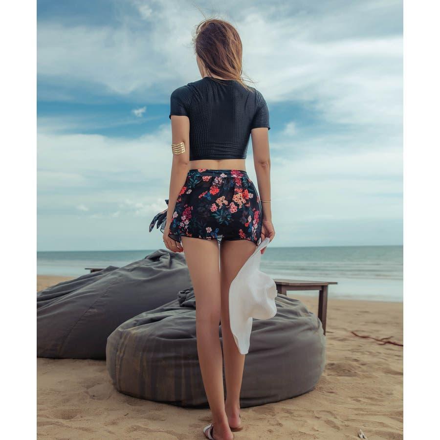 綺麗目なスタイルのレーススカート付きビキニ水着(3P) 3