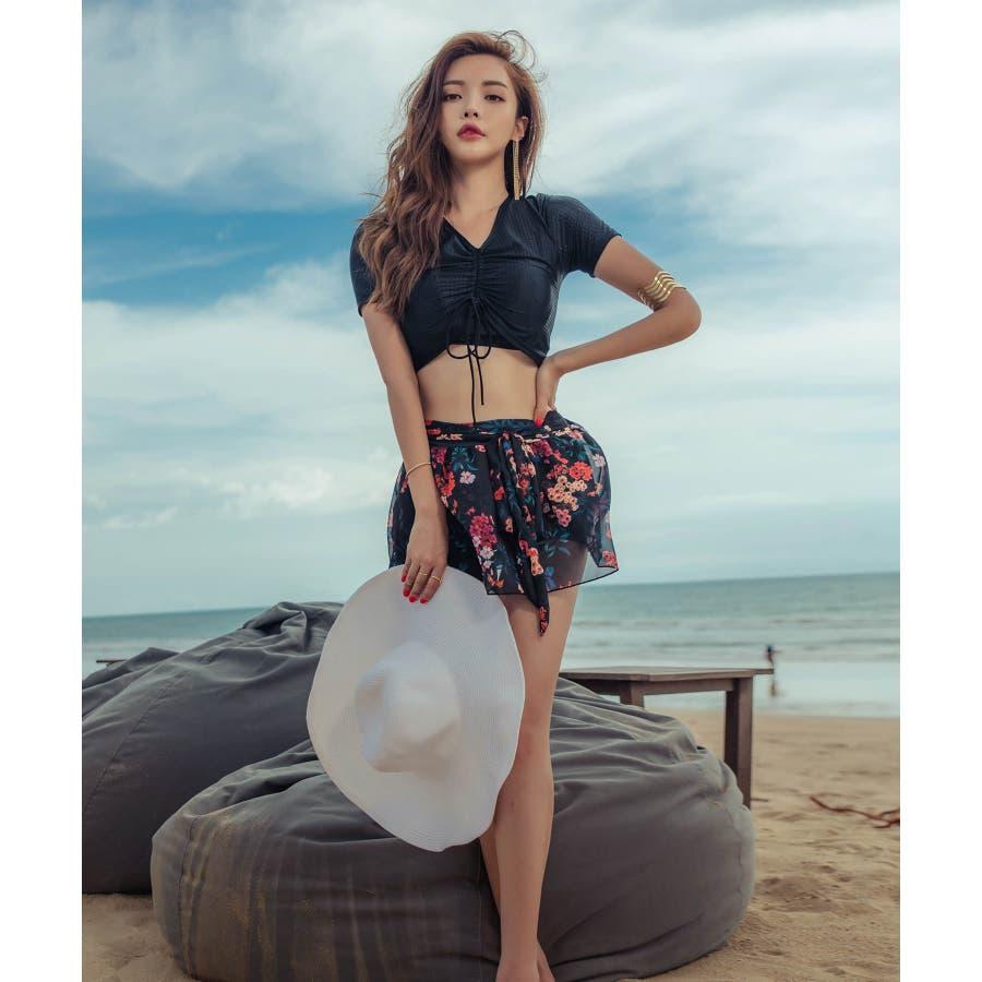 綺麗目なスタイルのレーススカート付きビキニ水着(3P) 4