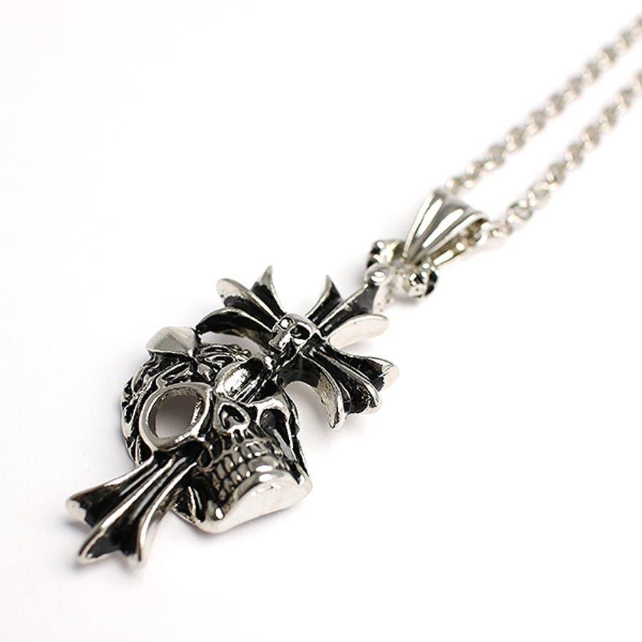クロスがスカルを貫くシルバー風ゴシックネックレス いぶし加工風スカルクロス SPST030 メンズネックレス necklace 1