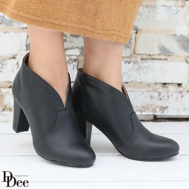 Vカッティング・ショートブーツブーツ 靴 ショートブーツ ブーティ フェイクレザー 冬 人気 おすすめ シンプル 黒 レディース