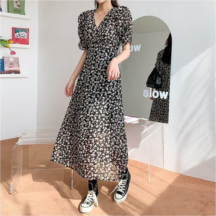 ボリュームシャーリング半袖花柄ロングワンピース 韓国ファッション カジュアル | ENVYLOOK | 詳細画像1