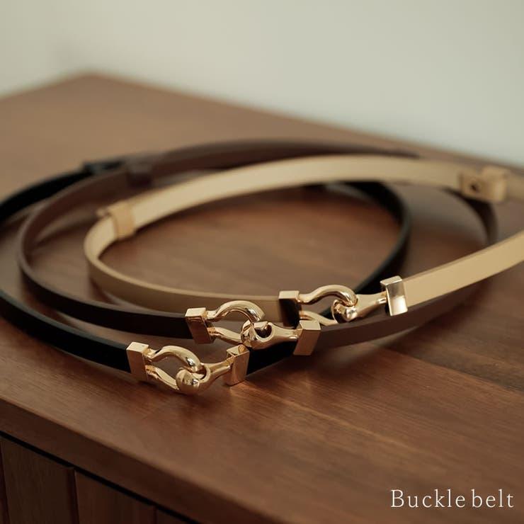 華奢なベルトが程よくフェミニンな印象に ゴールドバックルスライドベルト   Re:EDIT   詳細画像1