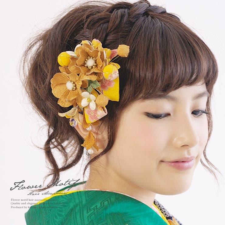 黄色,成人式の振袖・卒業式の袴におすすめ、和柄縮緬地の髪飾りセット   詳細画像